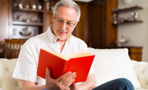Lưu ý khi chăm sóc người già mắc bệnh teo thoái hóa não