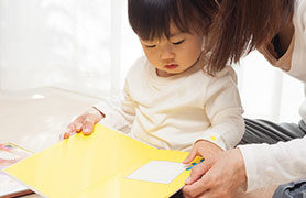 Các loại sữa phát triển trí não cho bé 2 tuổi