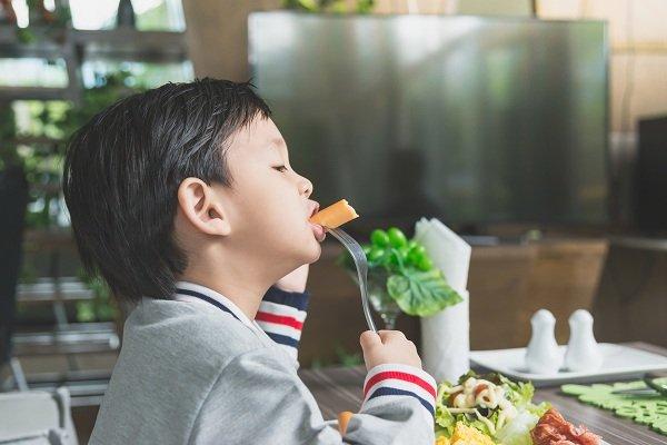 Sữa dành cho trẻ suy dinh dưỡng thấp còi giúp bé ăn ngon miện hơn