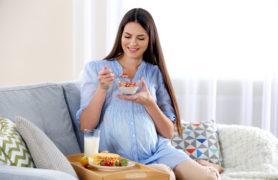Chế độ dinh dưỡng cho bà bầu ăn uống vào con ko vào mẹ